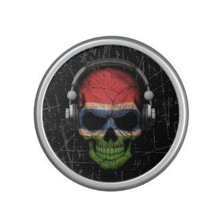 Cráneo gambiano rasguñado de DJ con los Altavoz