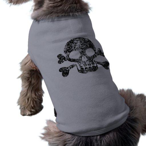 Cráneo gastado y bandera pirata camisetas de perro
