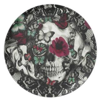 Cráneo gótico del cordón del Victorian con acentos Platos De Comidas