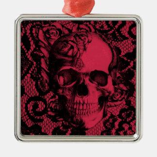 Cráneo gótico del cordón en rojo y negro adorno navideño cuadrado de metal