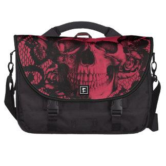Cráneo gótico del cordón en rojo y negro bolsa para ordenador