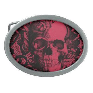 Cráneo gótico del cordón en rojo y negro hebillas de cinturon