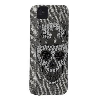 Cráneo gótico impreso con el ornamento de los diam iPhone 4 Case-Mate cobertura
