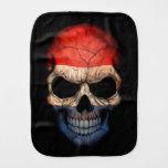 Cráneo holandés de la bandera en negro paños de bebé