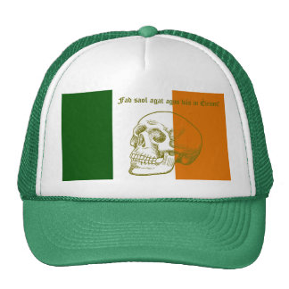 Cráneo humano y bandera nacional de Irlanda Gorras De Camionero