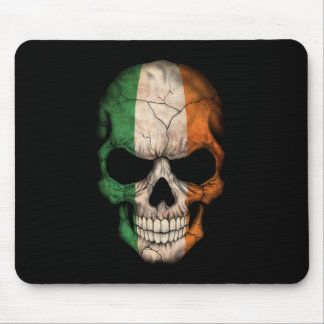 Cráneo irlandés adaptable de la bandera mousepads