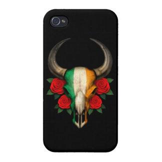 Cráneo irlandés de Bull de la bandera con los rosa iPhone 4 Carcasa