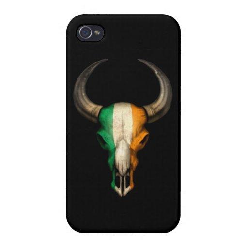 Cráneo irlandés de Bull de la bandera en negro iPhone 4 Funda