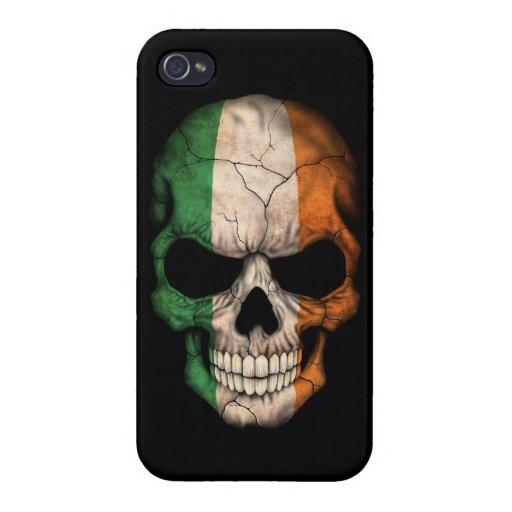 Cráneo irlandés de la bandera en negro iPhone 4 carcasa