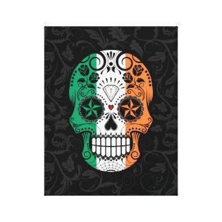Cráneo irlandés del azúcar de la bandera con los impresiones en lienzo estiradas