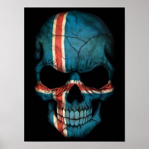 Cráneo islandés de la bandera en negro póster