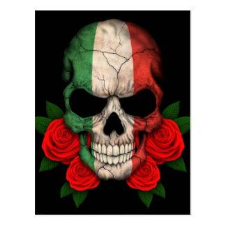 Cráneo italiano de la bandera con los rosas rojos postales