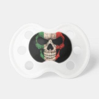 Cráneo italiano de la bandera en negro chupetes de bebé
