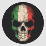 Cráneo italiano de la bandera en negro pegatina redonda