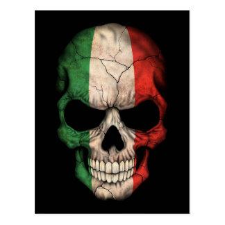 Cráneo italiano de la bandera en negro postales