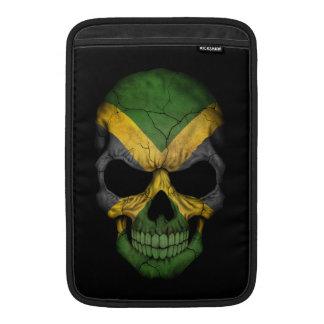 Cráneo jamaicano adaptable de la bandera fundas MacBook