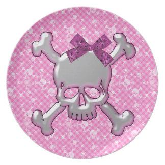 Cráneo lindo con la placa del rosa de la cinta platos para fiestas