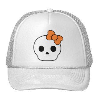 Cráneo lindo con un arco anaranjado gorra