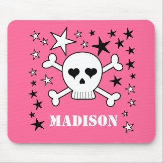 Cráneo lindo rosado y bandera pirata de tapetes de raton