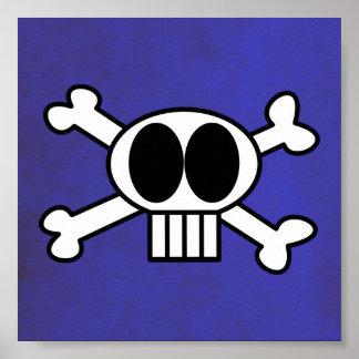 Cráneo lindo y bandera pirata con los ojos morados póster