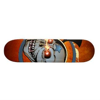 Cráneo llameante de risa de los globos del ojo con skateboards