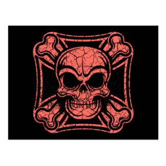 Cráneo maltés y bandera pirata - rojo tarjetas postales