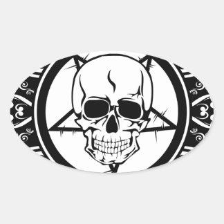 Cráneo malvado en cruz/oscuridad/Emo Calcomania Oval Personalizadas