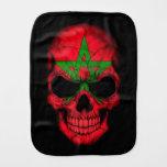 Cráneo marroquí de la bandera en negro paños de bebé