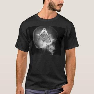 Cráneo masónico del extranjero de la radiografía playera