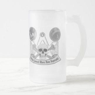 Cráneo masónico y bandera pirata taza de cristal