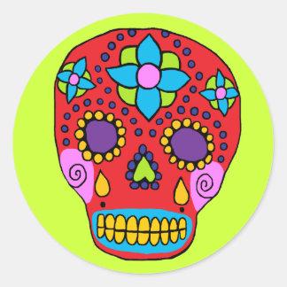 Cráneo mexicano del azúcar del arte popular etiqueta redonda