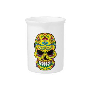 Cráneo mexicano del azúcar del tatuaje amarillo jarras de beber