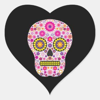 Cráneo mexicano rosado del azúcar pegatina en forma de corazón