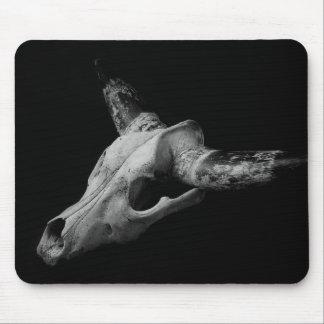 Cráneo muerto de la vaca tapete de ratón