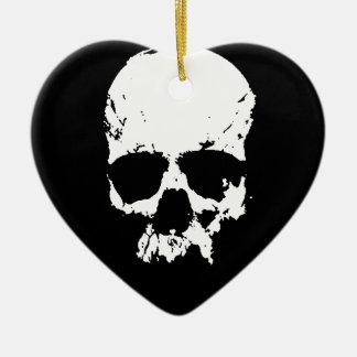 Cráneo negro y blanco adorno navideño de cerámica en forma de corazón