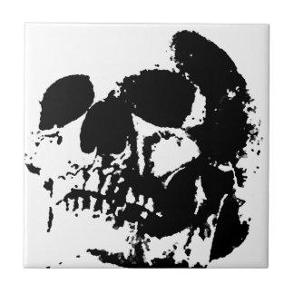Cráneo negro y blanco del arte pop azulejo cuadrado pequeño