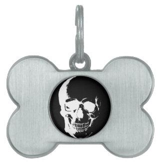 Cráneo negro y blanco placa de mascota