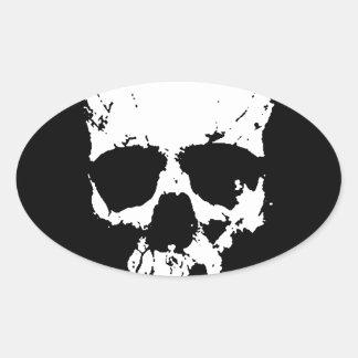 Cráneo negro y blanco pegatina ovalada