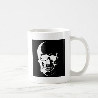 Cráneo negro y blanco tazas