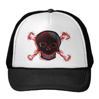 Cráneo negro y huesos cruzados sangrientos gorro de camionero