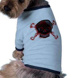 Cráneo negro y huesos cruzados sangrientos ropa de perros