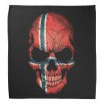 Cráneo noruego de la bandera en negro bandanas