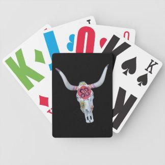 cráneo pintado de la vaca en negro barajas de cartas