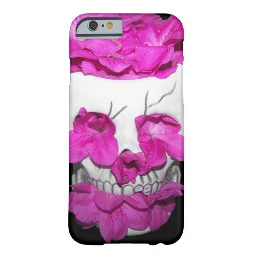 Cráneo por completo de flores rosadas funda de iPhone 6 barely there