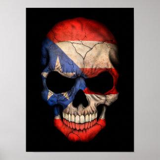 Cráneo puertorriqueño de la bandera en negro poster