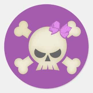 Cráneo punky lindo y pegatina púrpura del arco