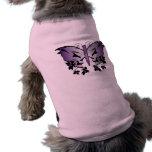 Cráneo púrpura de la mariposa camisetas de perro