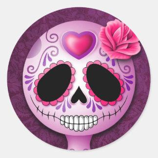 Cráneo púrpura lindo del azúcar etiqueta redonda