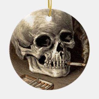 Cráneo que fuma adorno para reyes
