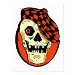 Cráneo retro del coche de carreras de Halloween Postal